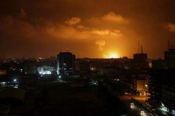 İsrail hərbçiləri Suriyada İran obyektlərinə hücum edildiyini açıqlayıb