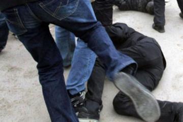 В Баку пьяная компания избила 22-летнего мужчину