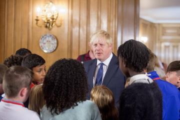 Boris Conson bir vaxtlar rok-ulduz və ya böyük mağazaların sahibi olmağı arzulayıb
