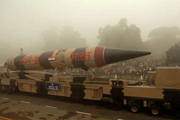 """Hindistan nüvə başlığı daşıya biləcək """"Agni-III"""" raketini sınaqdan keçirib"""