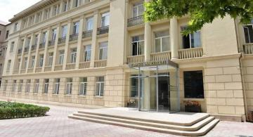Director of school illegally issuing certificates fired in Baku