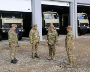 Министр обороны проверил боеготовность артиллеристов в прифронтовой зоне - [color=red]ВИДЕО[/color]