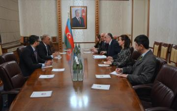 Azerbaijani FM receives Pakistani Ambassador upon the termination of his diplomatic tenure