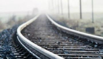 В Шамкире грузовой поезд насмерть сбил женщину