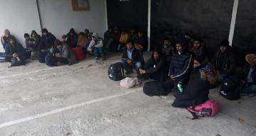Turkey holds 124 irregular migrants across country