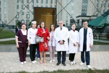 Лейла Алиева навестила детей, получающих лечение в Детской клинике Национального центра онкологии - [color=red]ФОТО[/color]