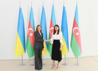 Birinci vitse-prezident Mehriban Əliyeva Yelena Zelenskaya ilə görüşüb