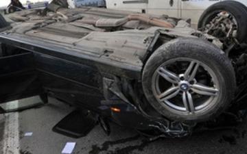 На трассе Баку-Газах перевернулся автомобиль, пострадала семья