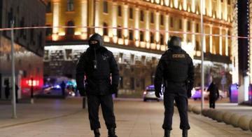 Перестрелка у здания ФСБ в Москве: погиб 1 силовик, ранены пятеро - [color=red]ВИДЕО[/color]