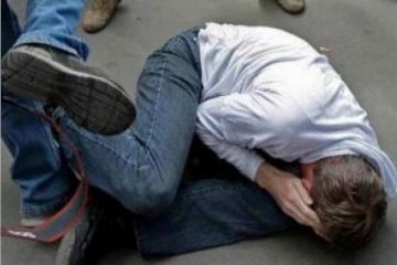 В Баку жестоко избит мужчина