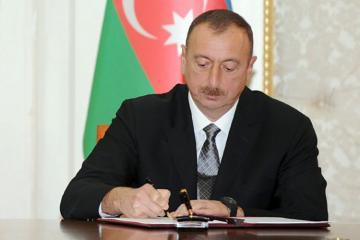 Prezident İlham Əliyev Dövlət Neft Fondunun işçilərini təltif edib