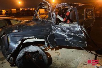 Gelandewagen попал в ДТП на трассе Баку-Сумгайыт, тяжело ранена женщина - [color=red]ФОТО[/color] - [color=red]ВИДЕО[/color]