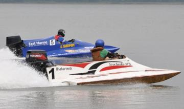 В Канаде во время ежегодной регаты погиб гонщик скоростного судна