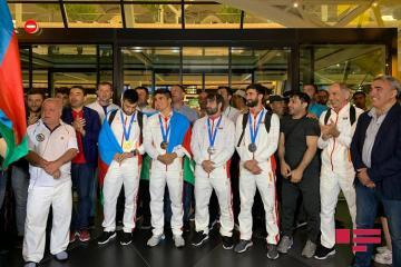 II Avropa Oyunlarında iştirak edən Azərbaycan idmançıları Vətənə qayıdıb - [color=red]FOTO[/color] - [color=red]VİDEO[/color] - [color=red]YENİLƏNİB-1[/color]