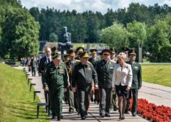 Müdafiə naziri Zakir Həsənov Belarusda bir sıra tədbirlərdə iştirak edib