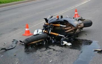 Yol qəzasında sürücünün başı zədələndi, üz sıyrıldı, bədəni...