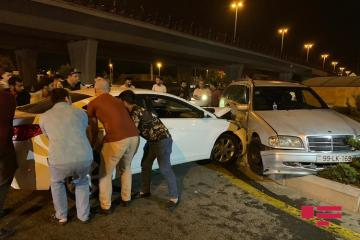 В Баку произошло ДТП, пострадали четверо  - [color=red]ФОТО[/color]