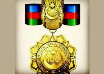 Bir qrup media, QHT nümayəndəsi və ictimai xadimə Xalq Cümhuriyyətinin 100 illiyi medalı təqdim olunub