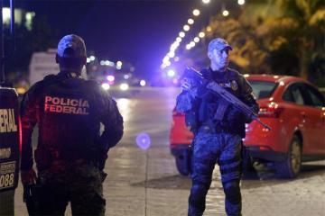 Meksikada cinayətkarlar 2 polisi öldürüb, dördünü yaralayıblar
