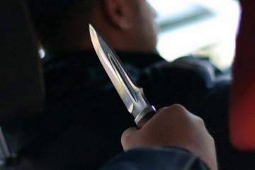 В Кюрдамире пассажиры такси напали на водителя с ножом