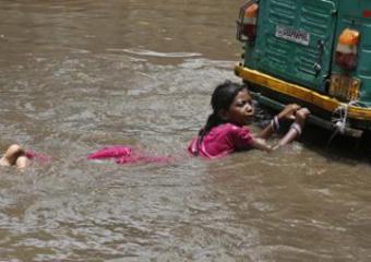 В Индии более 2,6 миллиона человек оказались в зоне затопления
