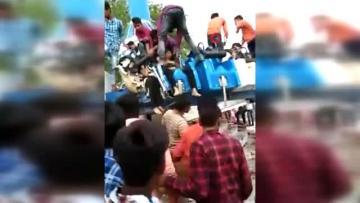 В Индии рухнул аттракцион, есть погибшие и раненые - [color=red]ФОТО[/color] - [color=red]ВИДЕО[/color]
