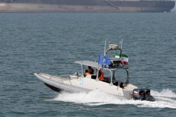 İran Hörmüz boğazında Britaniya gəmisini saxlayıb