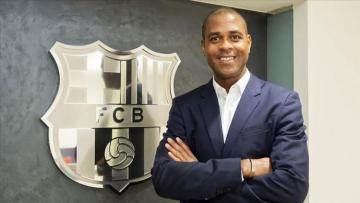 Barcelona hire Kluivert as youth football chief