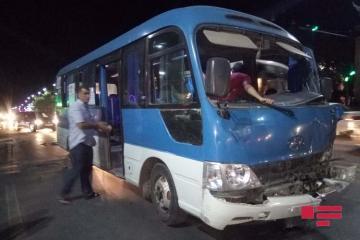 В Гяндже Shacman столкнулся с микроавтобусом - [color=red]ФОТО[/color]