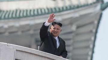 Ким Чен Ын впервые с десятого мая появился на публике