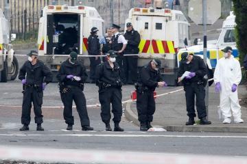 Şimali İrlandiyada polis avtomobilinə quraşdırılmış partlayıcı zərərsizləşdirilib