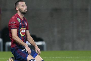 Macarıstan yığması Azərbaycanla oyun üçün bir futbolçunu heyətdən kənarlaşdırıb