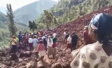 Uqandada torpaq sürüşməsində 5 nəfər ölüb, çox sayda insan dağıntı altda qalıb