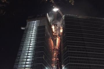 Varşavanın mərkəzində hündür binada yanğın olub