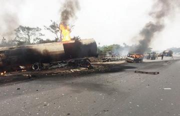 Nigeryada ağır yol-nəqliyyat hadisəsi baş verib, 18 nəfər ölüb