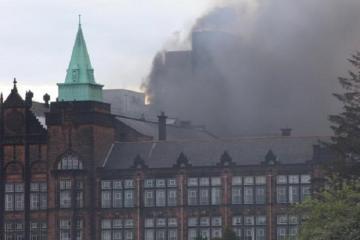 Londonda 7 mərtəbəli yaşayış binası yanır