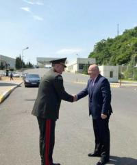 Gürcüstanın müdafiə naziri Azərbaycana gəlib