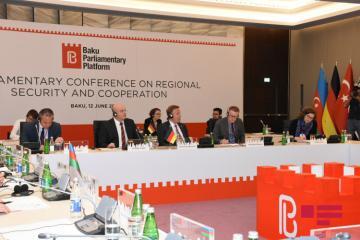 Создается Бакинская парламентская платформа