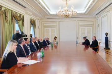 Dövlət başçısı İlham Əliyev Türkiyə BMM-nin vitse-spikerini qəbul edib