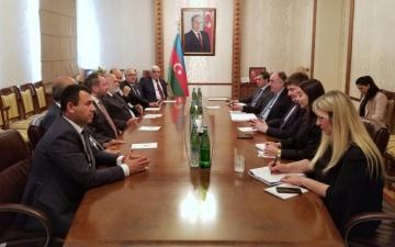 Эльмар Мамедъяров встретился с делегацией во главе с вице-спикером Великого национального собрания Турции