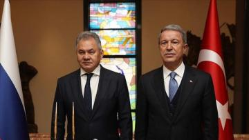 Turkish, Russian defense ministers discuss Syria