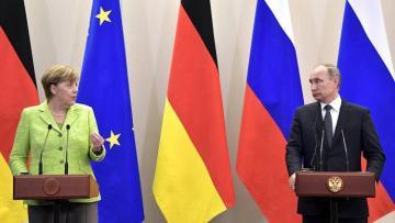 """Merkel: """"Western sanctions will remain until Ukraine's sovereignty restored"""""""