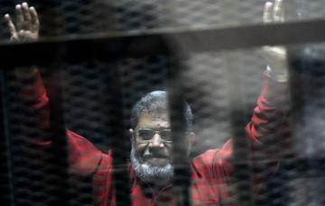 Мухаммед Мурси умер в зале суда