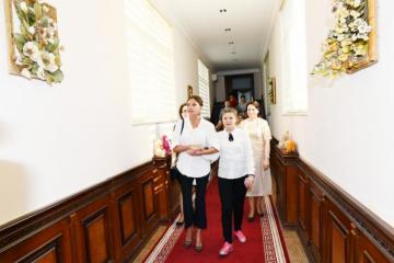 Birinci vitse-prezident Mehriban Əliyeva sağlamlıq imkanları məhdud uşaqlar üçün sosial xidmət müəssisəsində olub