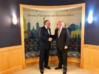 Azerbaijani FM holds meeting with Philip Reeker