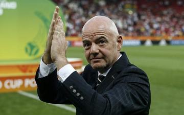 FIFA president tells Iran to let women watch World Cup qualifiers
