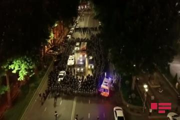 Tbilisidə parlament qarşısında keçirilən etiraz aksiyası dağıdılıb - [color=red]FOTO[/color]