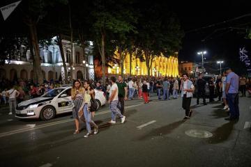 Акция протеста возобновилась в Тбилиси