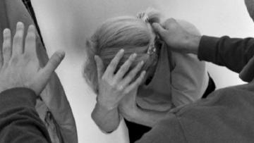 Səbail rayonunda 55 yaşlı qadın döyülərək pulu əlindən alınıb