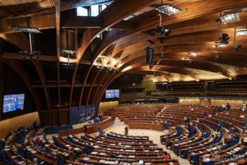 ПАСЕ вернула полномочия российской делегации, а украинская, покидает ассамблею